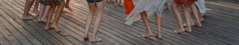 Barfuß tanzen Artikel von Carmen Rodina