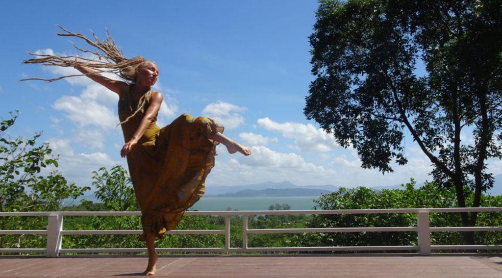 Carmen Rodina tanzt- Artikel zu Fersensporn